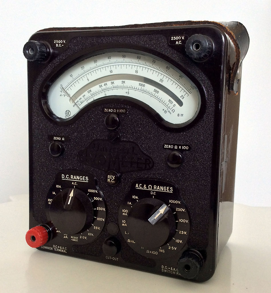 AVO Universal Avometer Model 8 Mark IV (1971)<br />Current AC: 10mA-10A