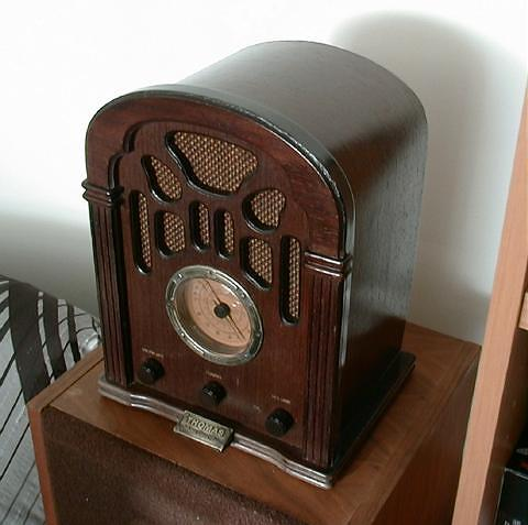 Thomas 412 (2005)<br />1940 Reproduction - Transistor AM/FM Radio. : Figure 31 :